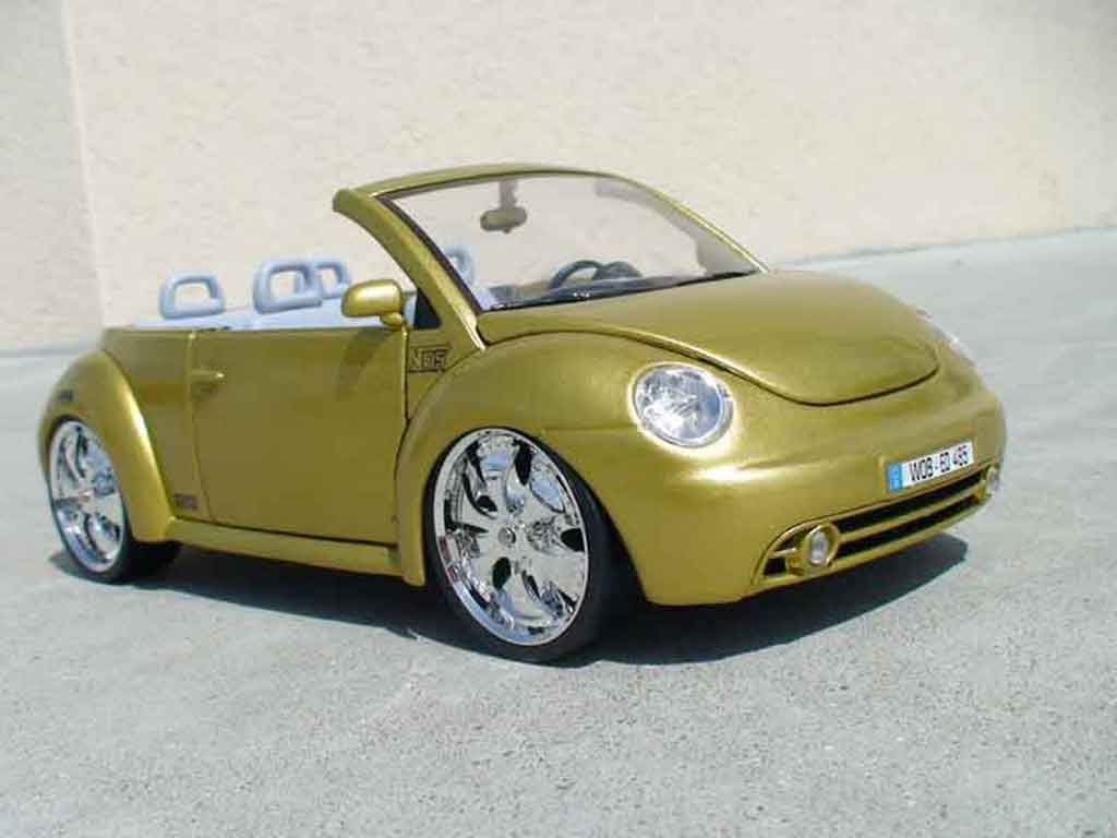 volkswagen new beetle cabriolet miniature west coast burago 1 18 voiture. Black Bedroom Furniture Sets. Home Design Ideas