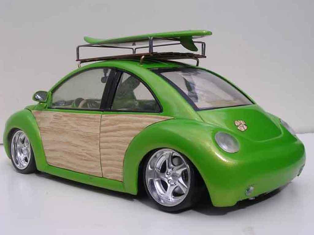 Volkswagen New Beetle 1/18 Burago woody green surf california