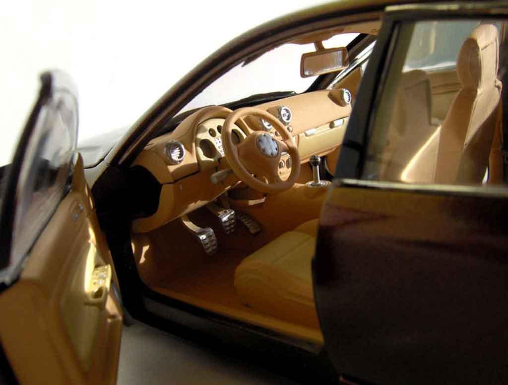 Volkswagen Passat 1/18 Welly dub peinture cameleon