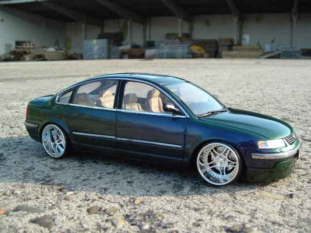 Volkswagen Passat 1/18 Welly  tuning miniature