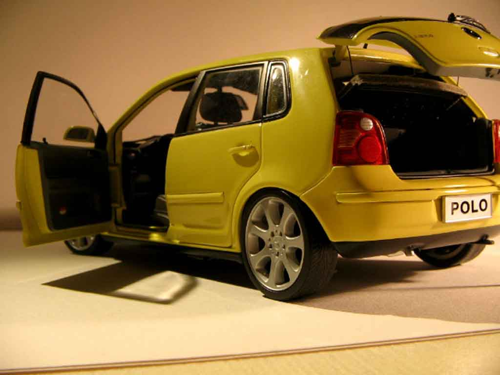 Volkswagen Polo 1/18 Anson jantes mercedes
