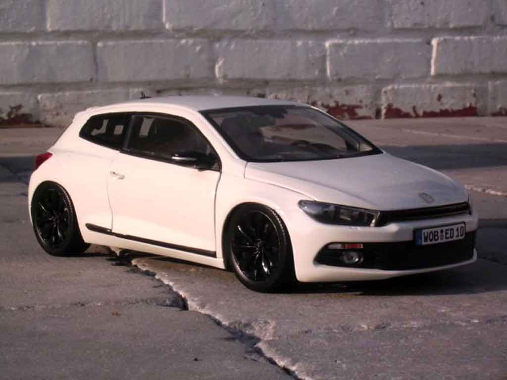 volkswagen scirocco miniature 3 2 0 tsi blanche norev 1 18 voiture. Black Bedroom Furniture Sets. Home Design Ideas