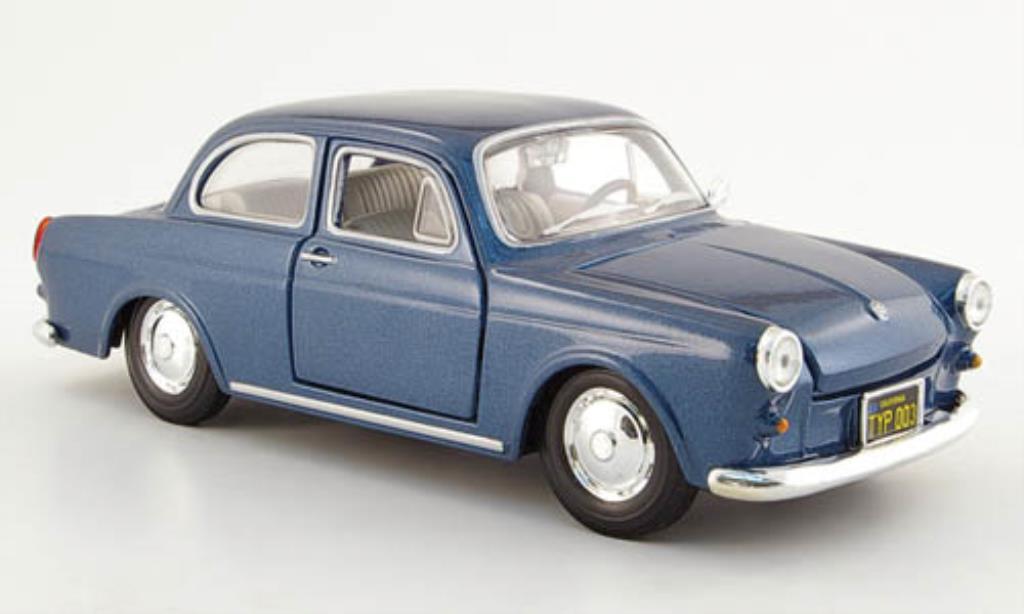 Volkswagen 1600 1/24 Maisto Stufenheck bleu 1967 miniature