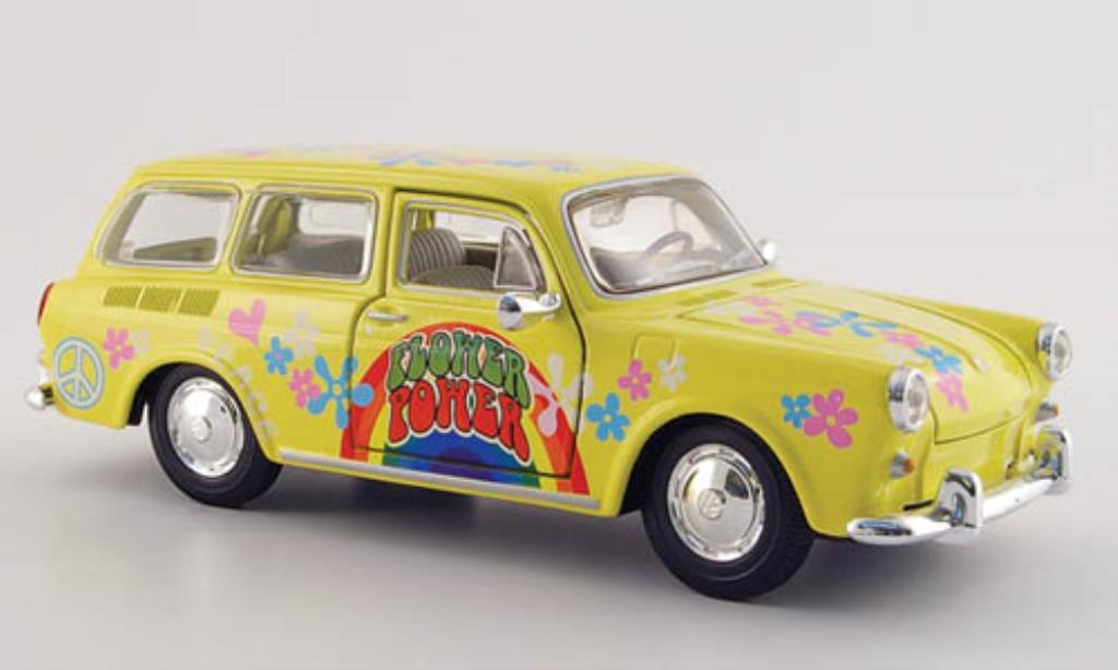 Volkswagen 1600 1/24 Maisto Variant jaune mit Dekor miniature