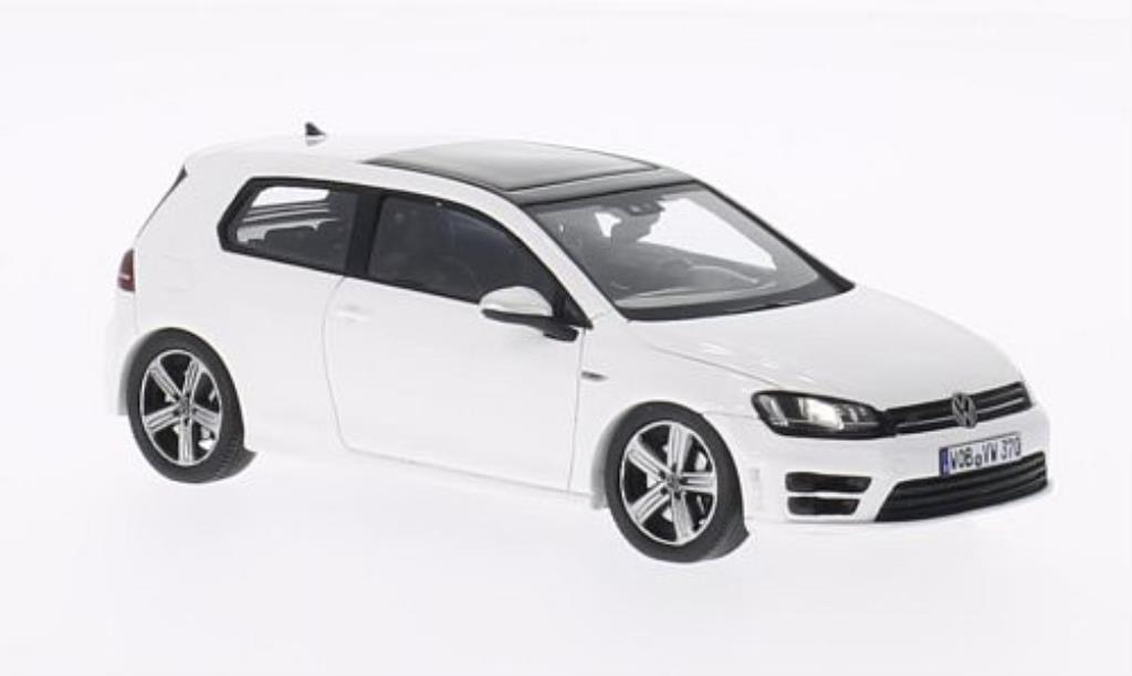 volkswagen golf vii r white 2013 spark diecast model car 1. Black Bedroom Furniture Sets. Home Design Ideas