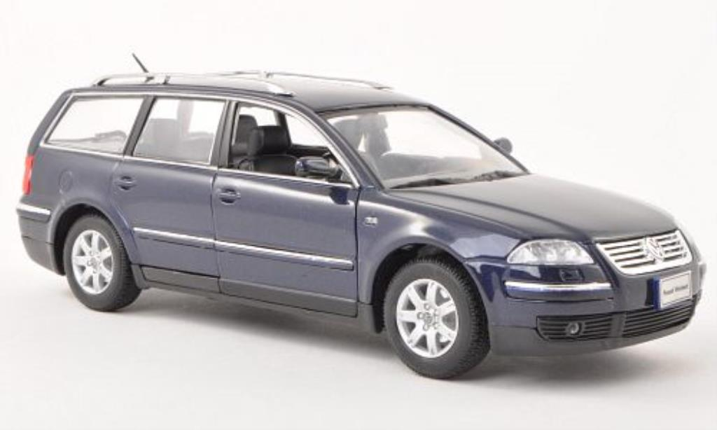 Volkswagen Passat 1/24 Welly Variant bleu 2001 miniature