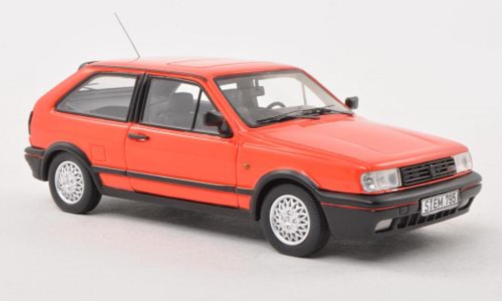 volkswagen polo miniature iif coupe g40 rouge 1991 neo 1 43 voiture. Black Bedroom Furniture Sets. Home Design Ideas