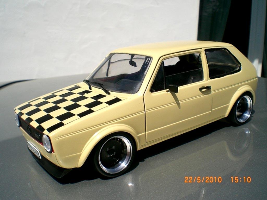 Volkswagen Golf 1 GTI 1/18 Solido beige jantes schmidt capot damier tuning miniature