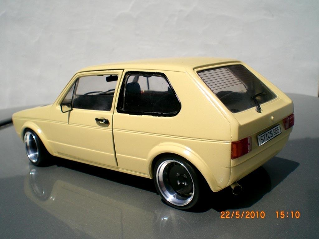 volkswagen golf 1 gti miniature beige jantes schmidt capot damier solido 1 18 voiture. Black Bedroom Furniture Sets. Home Design Ideas