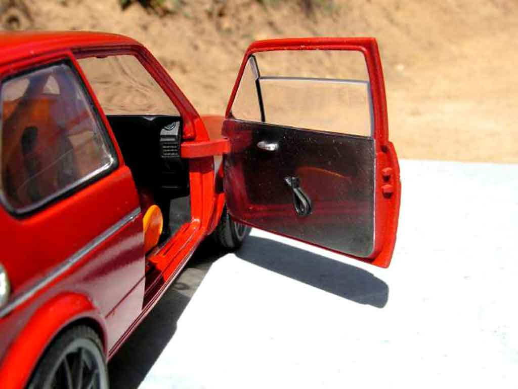 Volkswagen Golf 1 GTI 1/18 Solido preparation piste rallye