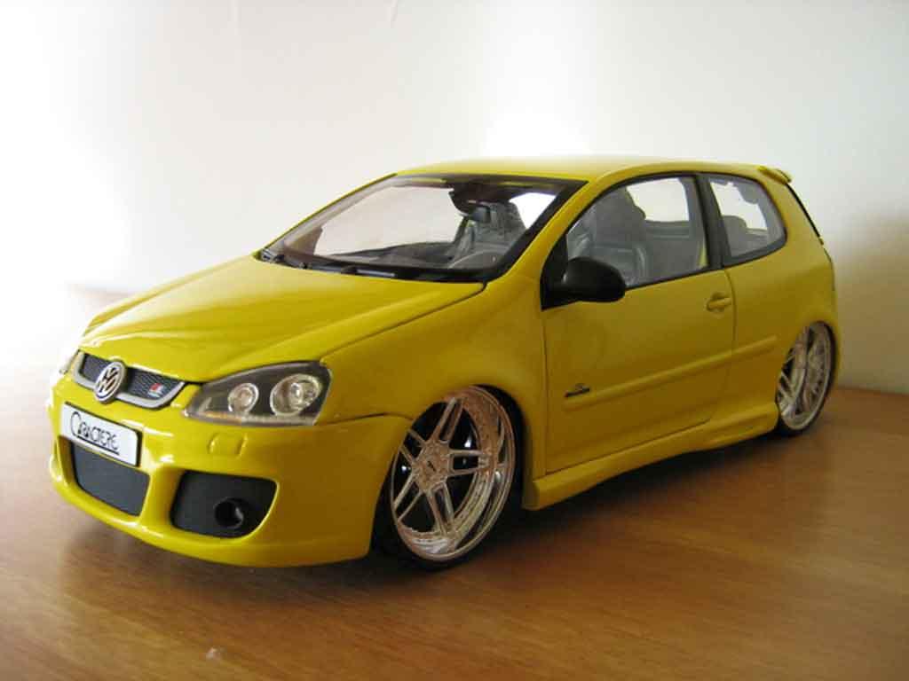 Volkswagen Golf V GTI 1/18 Burago jaune jantes ac schnitzer