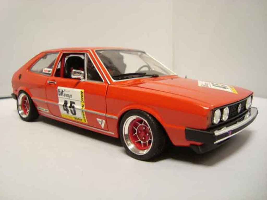 Volkswagen Scirocco GTI 1/18 Revell preparation racing