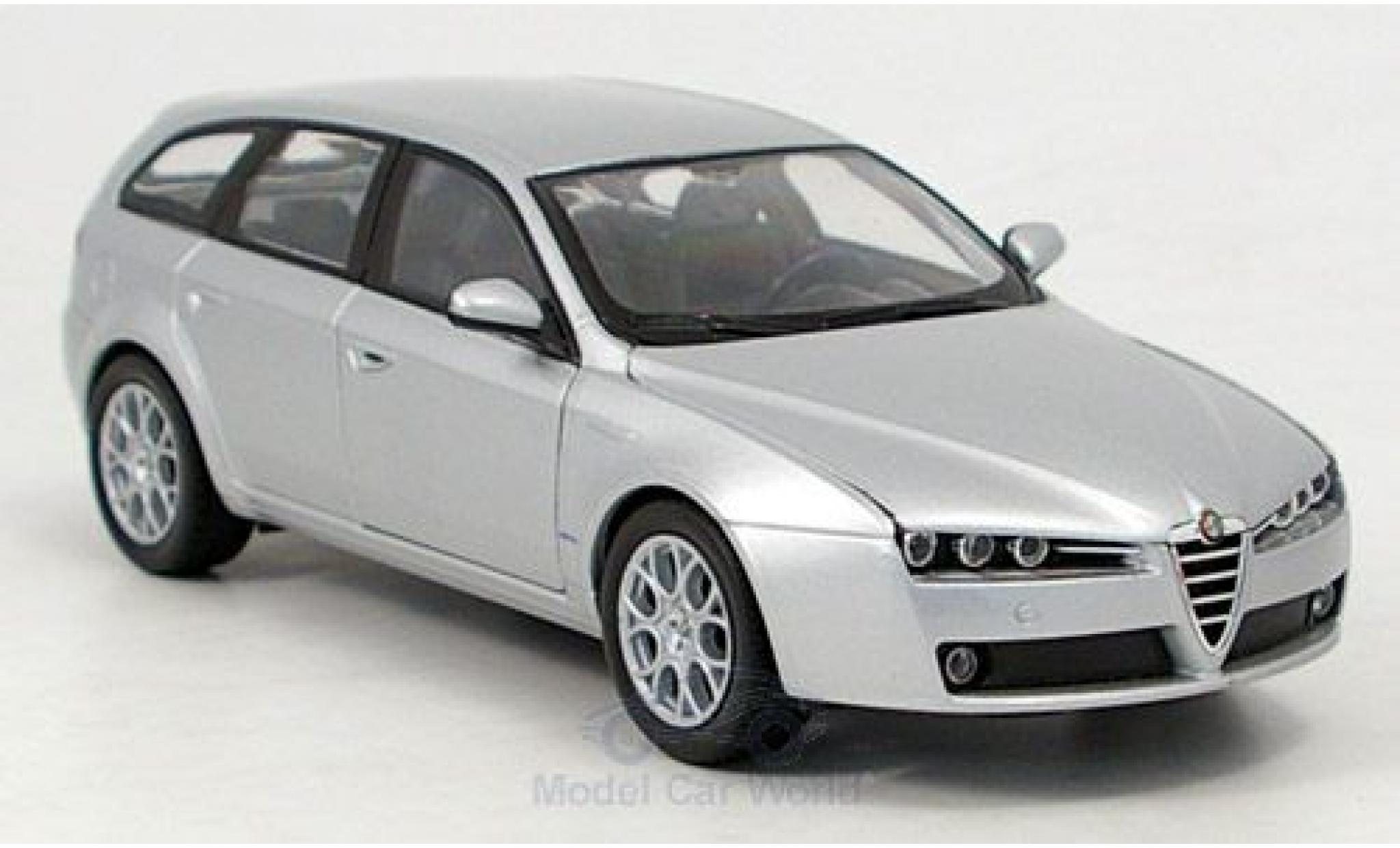 Alfa Romeo 159 1/24 Welly Sportwagon grise