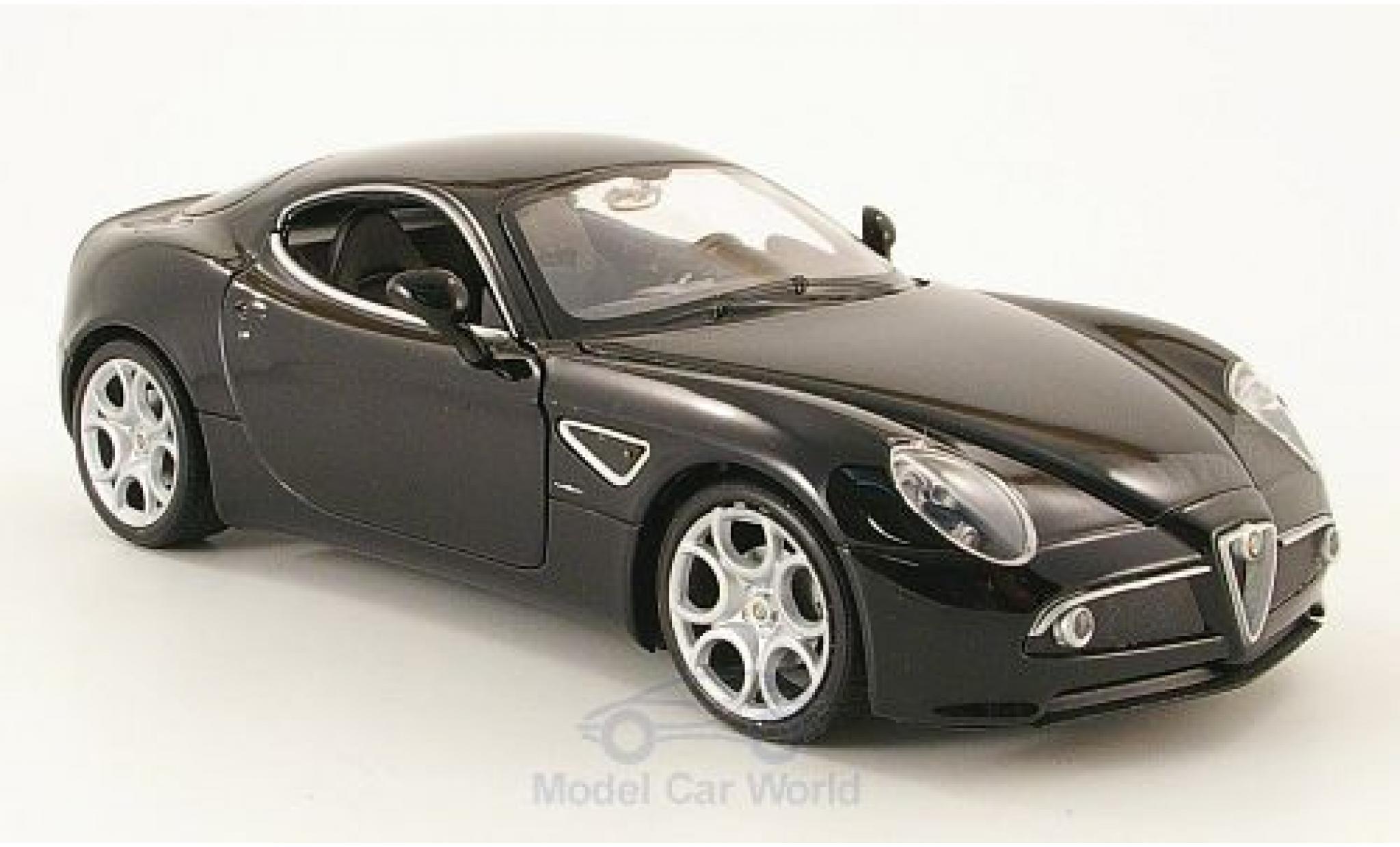 Alfa Romeo 8C 1/24 Welly Competizione noire ohne Vitrine