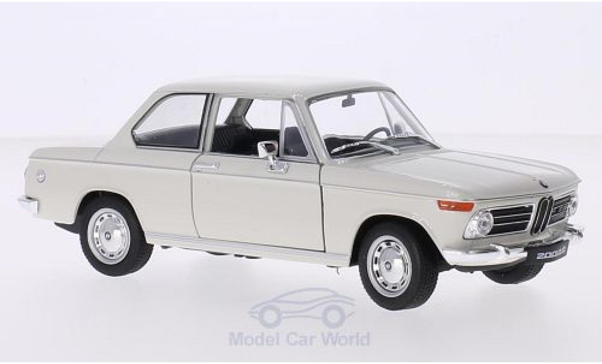Bmw 2002 1/24 Welly ti blanche