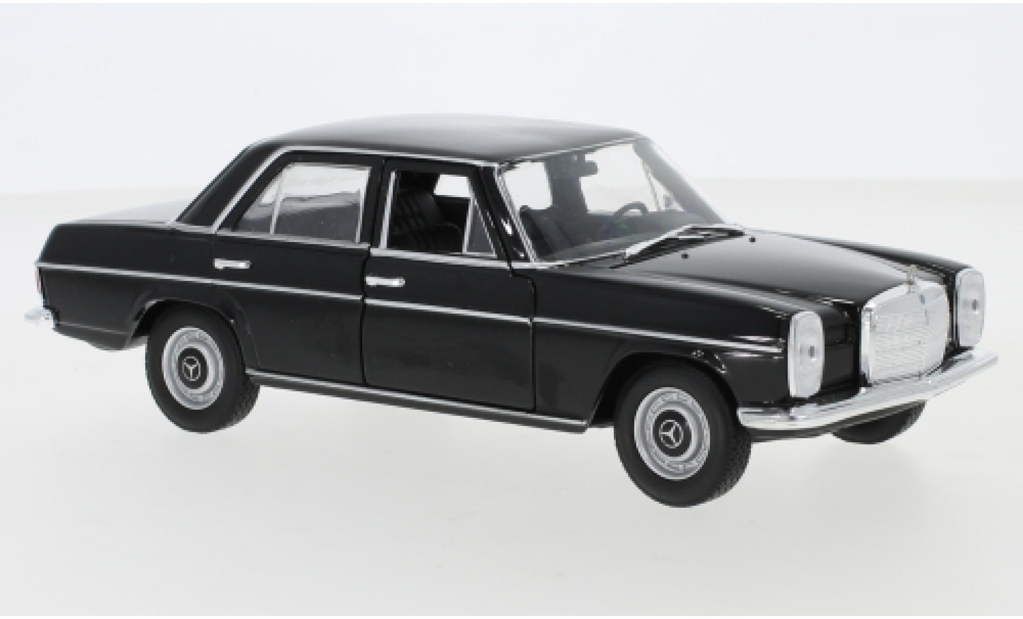 Mercedes 220 1/24 Welly (W115) black 1968