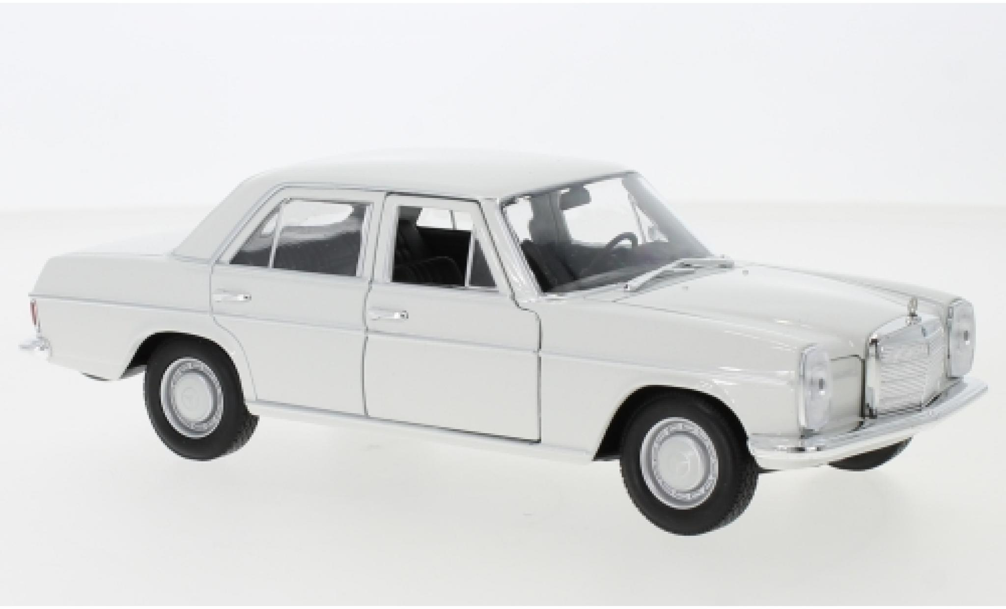 Mercedes 220 1/24 Welly (W115) blanche 1968