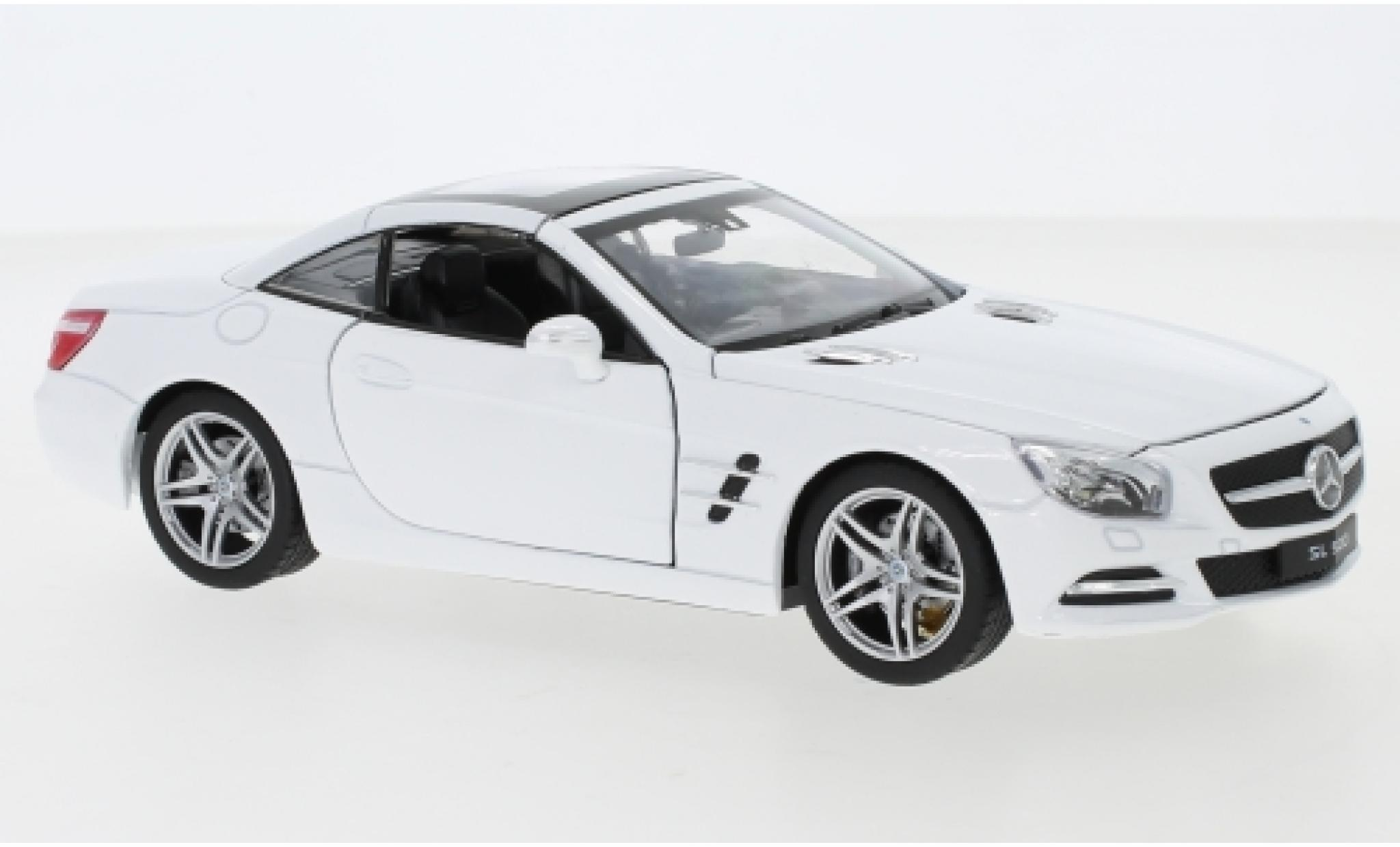 Mercedes Classe SL 1/24 Welly SL 500 (R231) blanche 2012 toit fermé
