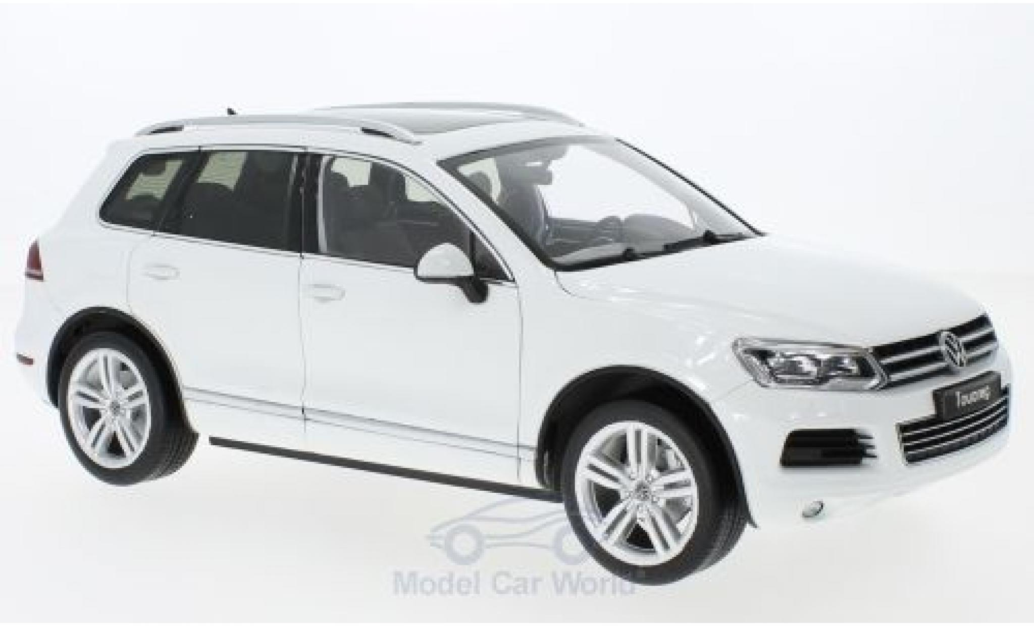 Volkswagen Touareg 1/18 Welly II white GTA Edition