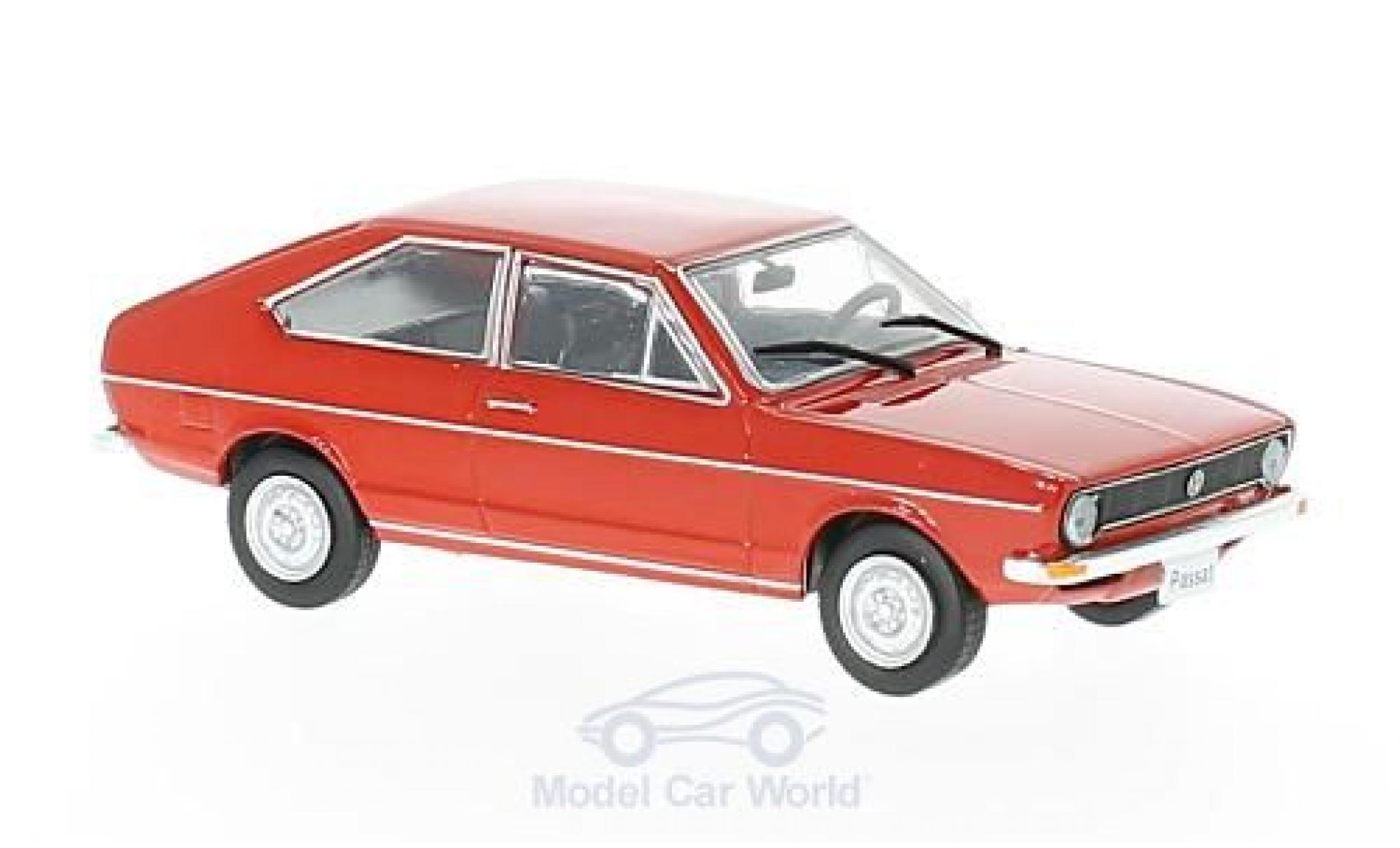 Volkswagen Passat 1/43 WhiteBox (B1) rouge 1973