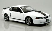 Ford Mustang 2003 mach i bianco