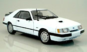 Ford Mustang 1986 svo white