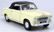 Peugeot 403 miniature Cabriolet beige avec capote 1957