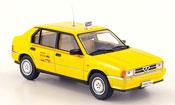 Alfa Romeo 33 taxi di roma yellow