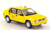 Alfa Romeo 33 taxi di roma giallo