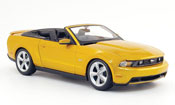 Ford Mustang 2010  gt convertible or Maisto