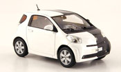 Toyota IQ miniature blanche noire autosalon genf 2009
