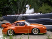Porsche tuning 993 GT2 street version orange