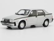Alfa Romeo 75 V6 3.0 LM087C gray