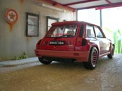 Renault 5 Turbo  1 rot Universal Hobbies