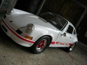 Porsche 911 RS  2.7 bianco Universal Hobbies