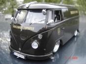 Miniature Volkswagen Combi   ups