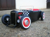 Miniature Hot Rod Ford 1932 hot rod noir rouge