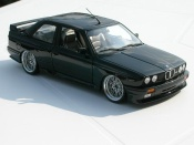 Bmw M3 E30  black wheels e46 a deport Kyosho