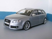 Audi RS4   avant gray Minichamps