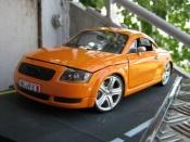 Audi TT coupe arancionesignal porsche ruote touareg
