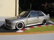 Bmw M3 E30  dm performance Autoart 1/18