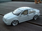 Miniature German Look Volkswagen Bora blanche
