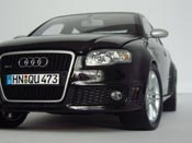 Audi RS4   black Minichamps