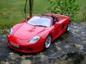 Porsche Carrera GT   rouge Maisto 1/18