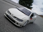Renault Megane Maxi tuning blanche