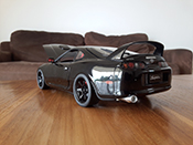 Toyota Supra noire jantes 18 pouces et disques de frein