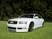 Audi A8   dub blanche Motormax