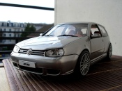 Volkswagen Golf IV R32 gray