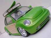 Volkswagen New Beetle woody green surf california Burago tuning