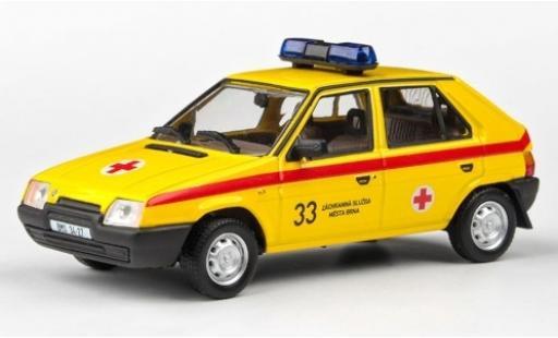 Skoda Favorit 1/43 Abrex 136L Rotes Kreuz 1988 miniature